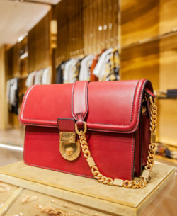 Versace bags Taschen schuhe shoes 2019 KaDeWe shop fashion Berlin